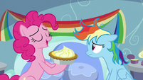 "Pinkie ""gifts are the second most important part"" S7E23"