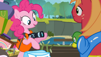 Pinkie 'This one is for the scrapbook!' S4E09