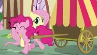 Pinkie trots away S5E19