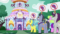 Ponies with anti-Rarity picket signs S7E14