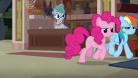 Rainbow and Pinkie follow cloaked Caballeron S7E18