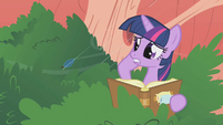 Twilight nothing about branches S1E8