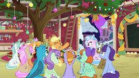 Applejack telling Hearth's Warming stories BGES3