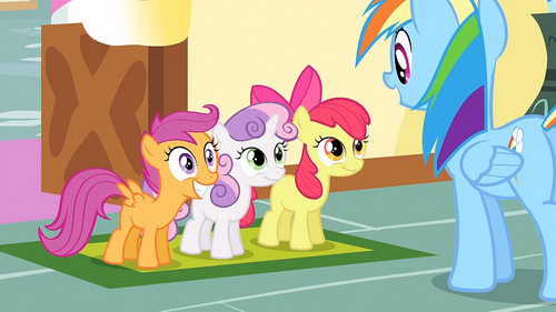 CMC in front of Rainbow Dash S1E23