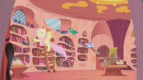 Fluttershy cleaning Twilight's home for a chance to get the extra ticket S1E03
