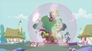 S02E23 Magiczna bańka nad domem Twilight