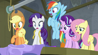 Twilight's friends gasp in surprise S8E7