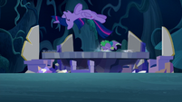 Twilight and Spike hits the map S5E26
