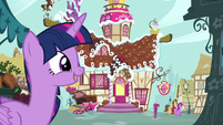 Twilight and the Sugarcube Corner S5E11