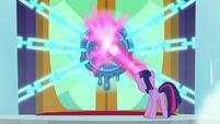 Twilight breaking Chancellor Neighsay's seal S8E2