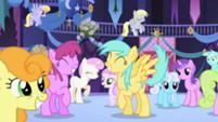 201px-Popular background ponies 2 S01E01