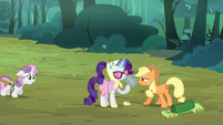 Applejack 'some of us didn't pack as light as the others' S3E06