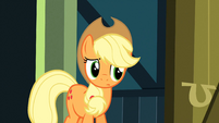 Applejack listening S3E4