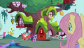 Fluttershy sees Rainbow and Twilight S4E21.png