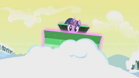 Frontal view of Twilight's magic plough S1E11