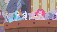 Main 5 looking for Applejack S1E09