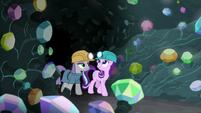 Maud and Starlight enter the gem cave S7E4