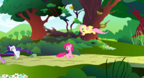 Others leaving Pinkie alone S01E10