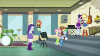 Rarity giving her friends the bad news EGS1