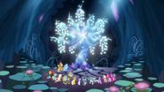 S07E26 Bohaterowie patrzą na Drzewo Harmonii