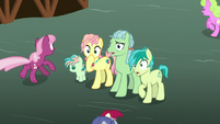 Sandbar and family among panicked ponies S9E25