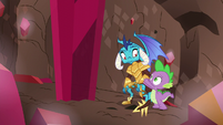 Spike helps Princess Ember up S6E5