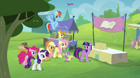 "Twilight ""settle some disagreements"" S4E22"