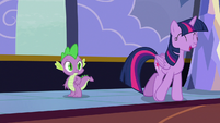 Twilight Sparkle --I usually get letters by dragon-- S6E25