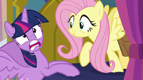 Twilight Sparkle gasps in surprise again S7E20