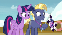 Twilight and Star Tracker looking at Twilight Velvet S7E22