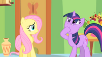 Twilight puts a hoof in it S1E20