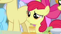 Apple Bloom skeptical of Grand Pear S7E13