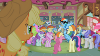 Applejack looking at famous Rainbow Dash S2E8