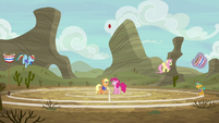 Applejack starts the practice game buckoff S6E18