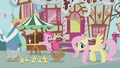 Fluttershy helping ducks S1E05.png