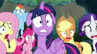 Mane Six looking utterly horrified S9E1