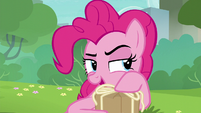 Pinkie Pie --time to open your present-- S6E3