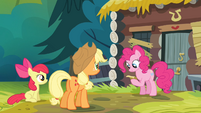 Pinkie Pie -reading- the note S4E09