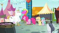 Pinkie jumps onto high striker S4E23