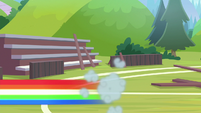 Rainbow quickly zooms off-screen S9E15