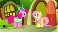 S01E25 Pinkie zaprasza Fluttershy