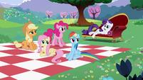 S02E03 Główna piątka na pikniku