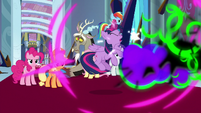 Sombra's magic shatters Twilight's barrier S9E2