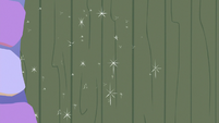 Starlight Glimmer closes the kitchen door S6E21