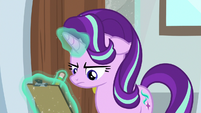 Starlight disapproves of Trixie's class S9E20