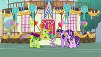 Thorax notices ice statue of Princess Ember S7E15
