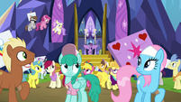 Twilight Sparkle comes out of the castle S7E14