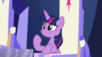 Twilight answers with a confused yes S5E19