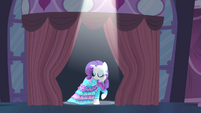 Curtain opens to reveal Rarity S4E13