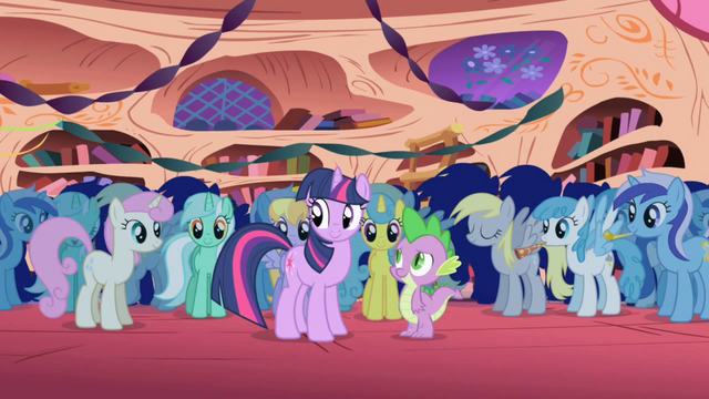 Berkas:Minuette both ends (and first Derpy) S1E01.png